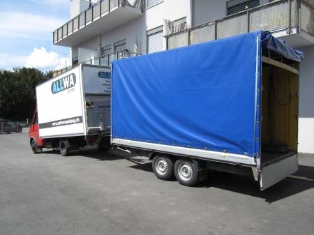 Umzug Lastwagen mit Anhänger